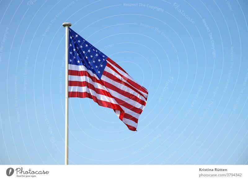 star-spangled banner flagge fahne amerika usa vereinigte staaten sternenbanner stars and stripes rot blau amerikanisch amerikanische wehen flattern gehisst
