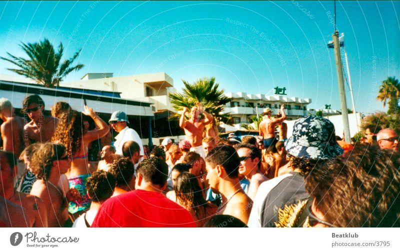 Bora Bora Ibiza Strand Party Europa Partygast Außenaufnahme Sommer