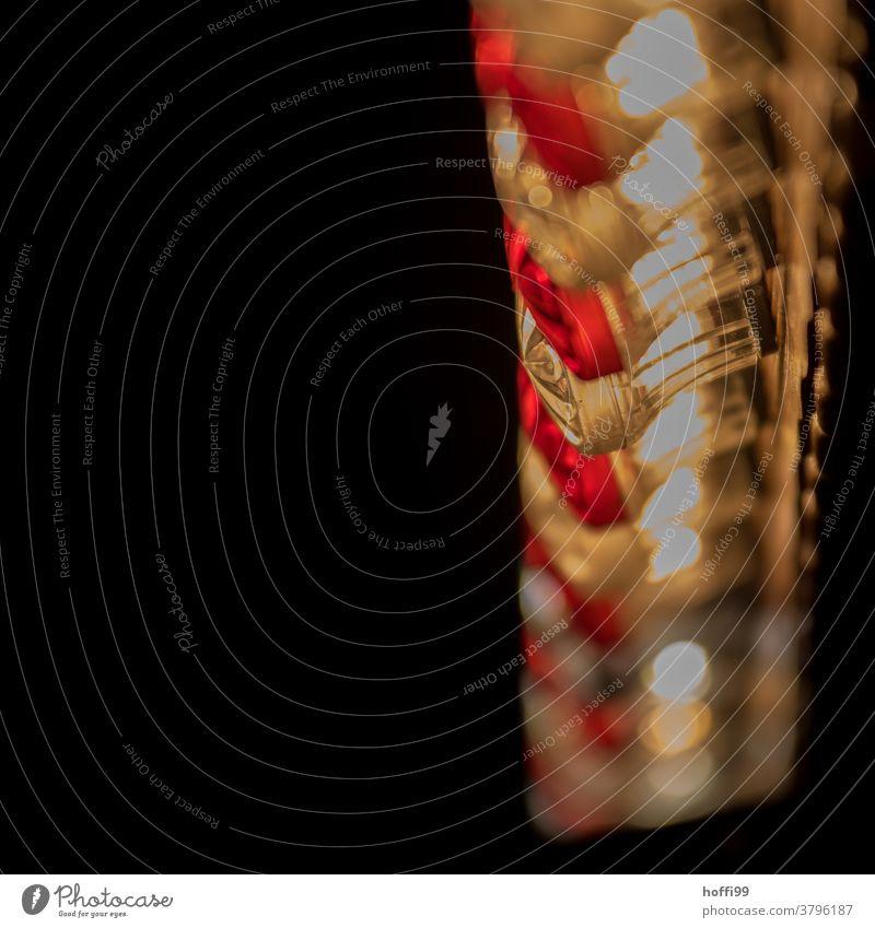 rote Lichterkette auf einem Weihnachtsmarkt rot weiss Weihnachtsbeleuchtung Winter Weihnachtsdekoration leuchten Abend Feste & Feiern Menschenleer