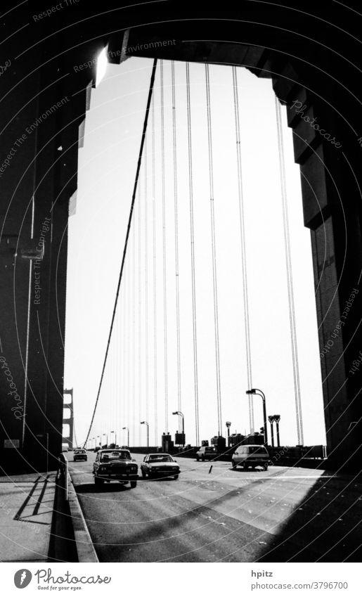 Golden Gate Verkehr Verkehrswege Licht Schwarzweißfoto Golden Gate Bridge Linien San Francisco USA Brücke