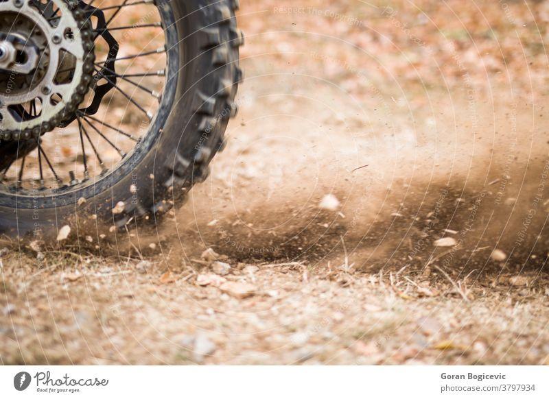 Motocross-Dauerlaufrad Nahaufnahme Motor extrem Schmutz Motorrad Konkurrenz Rennfahrer Reiter moto Ausdauer Sport Kraft Gelände Geschwindigkeit Offroad Fahrrad