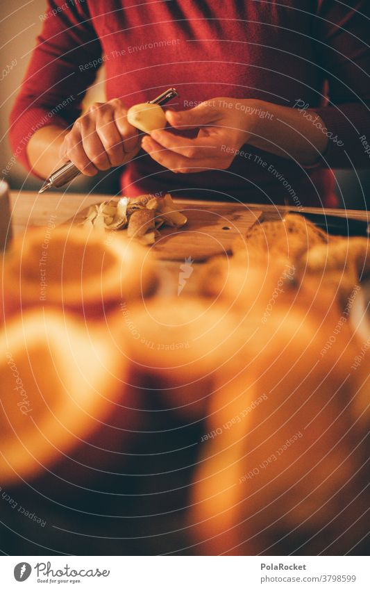 #A# Kürbis-Suppe-Am-Tun II Nahaufnahme Foodfotografie Essen zubereiten Diät rezept Küche kochen & garen Abendessen Kürbiszeit Kürbissuppe Kürbiskern