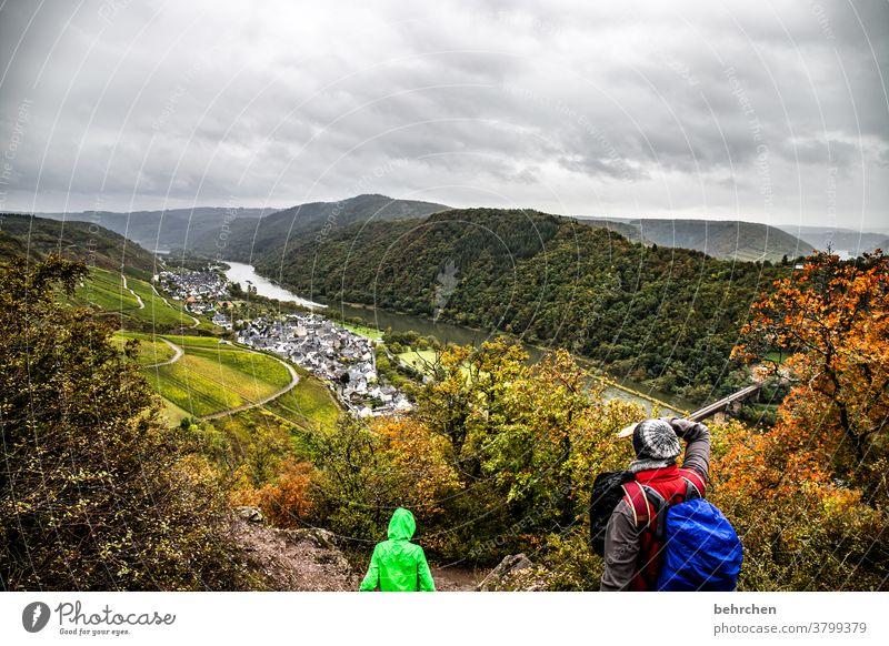 wandern im herbst Stadt Wald Ferien & Urlaub & Reisen Natur Außenaufnahme Umwelt Wolken Himmel Landschaft Farbfoto Berge u. Gebirge Tourismus Ausflug Ferne