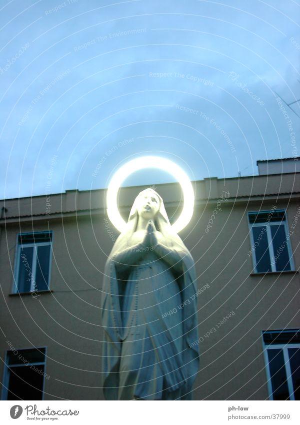 heilig Neonlicht Neapel Religion & Glaube Maria Abend
