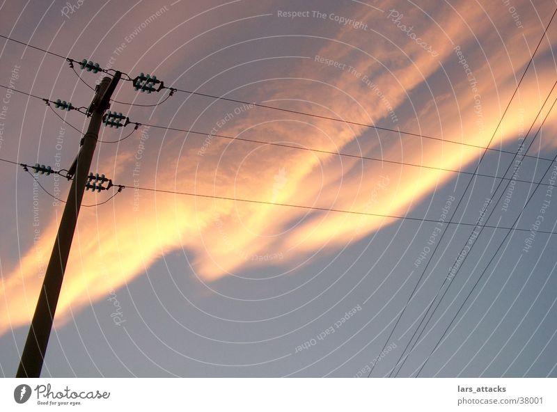 Elbastimmung Wolken Dämmerung Strommast Elektrizität Himme Sonne