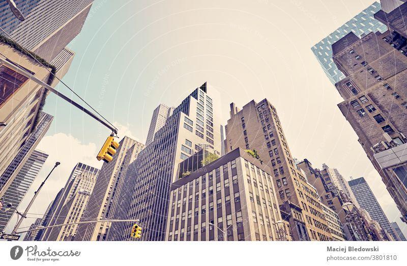 Vielfältige Architektur in Manhattan, New York City, USA. Großstadt New York State Business Gebäude Stadtbild gefiltert Wand modern nachschlagen neu nyc Sonne