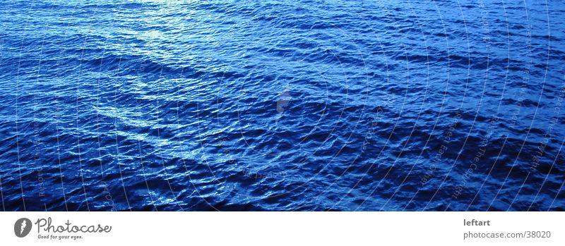 Ostsee Wasser Meer blau schwarz See