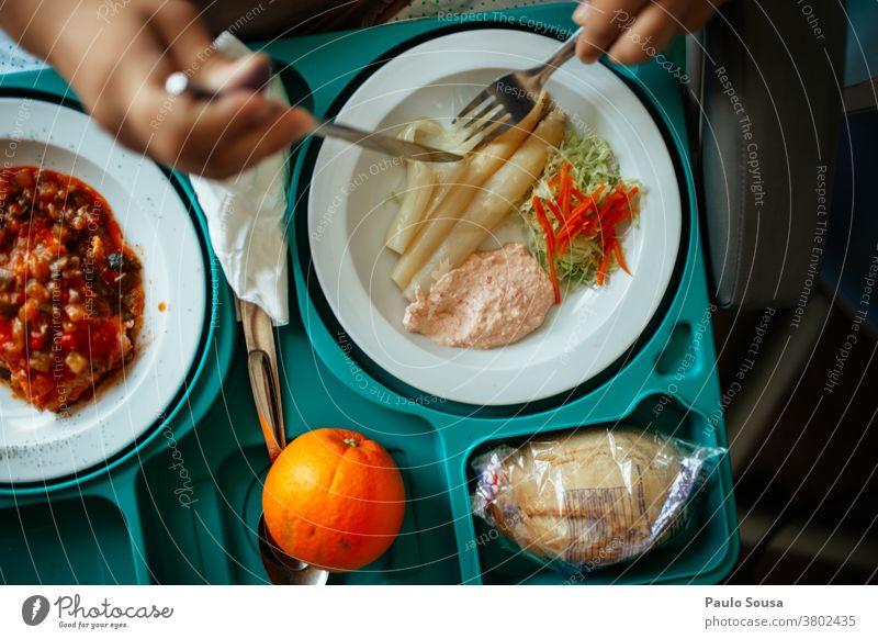 Lebensmittel aus dem Krankenhaus Gesunde Ernährung Gesundheit Gesundheitswesen Farbfoto Essen Diät Menschenleer lecker Gemüse Frucht Mahlzeit Mittagessen