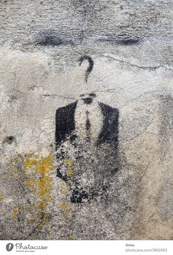 Kunst am Bau | nichts ist für immer (1) grafitti mauer wand haken fragezeichen anzugjacke krawatte verwaschen beschädigt alt trashig