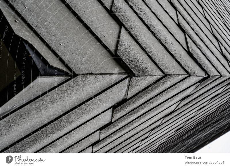 """The """"good"""" old eternit... Fassade Fassadenverkleidung Architektur Außenaufnahme Farbfoto Gebäude Menschenleer Haus modern Strukturen & Formen Mauer trist"""