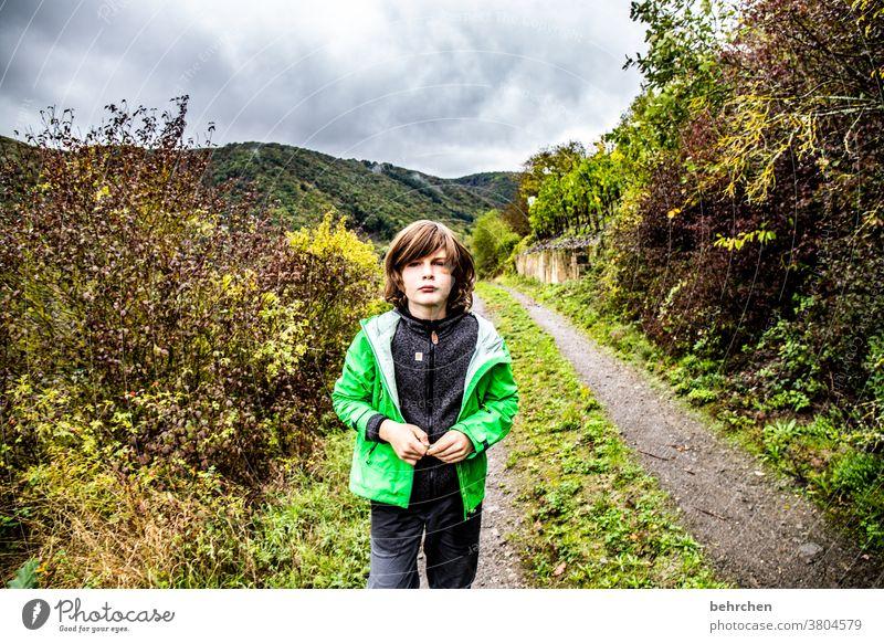 lasse angekommen genervt Cool Coolness Ferien & Urlaub & Reisen Wald wandern Natur Landschaft Himmel Wolken Umwelt Außenaufnahme Berge u. Gebirge Tourismus