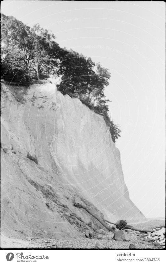 Steilufer bei Sassnitz steilküste kreidefelsen felsformation ostsee meer gewässer binnengewässer binnenmeer landschaft mecklenburg vorpommern sassnitz reise