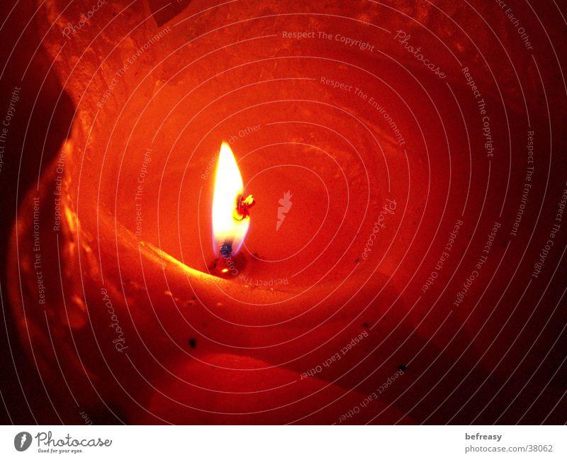 Kerzengrotte orange Brand Kerze brennen Wachs Kerzendocht