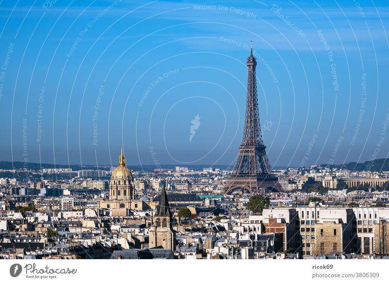 Blick auf den Eiffelturm in Paris, Frankreich Gebäude Architektur Stadt Tour Eiffel Sehenswürdigkeit historisch alt Turm Reise Urlaub Reiseziel Städtereise
