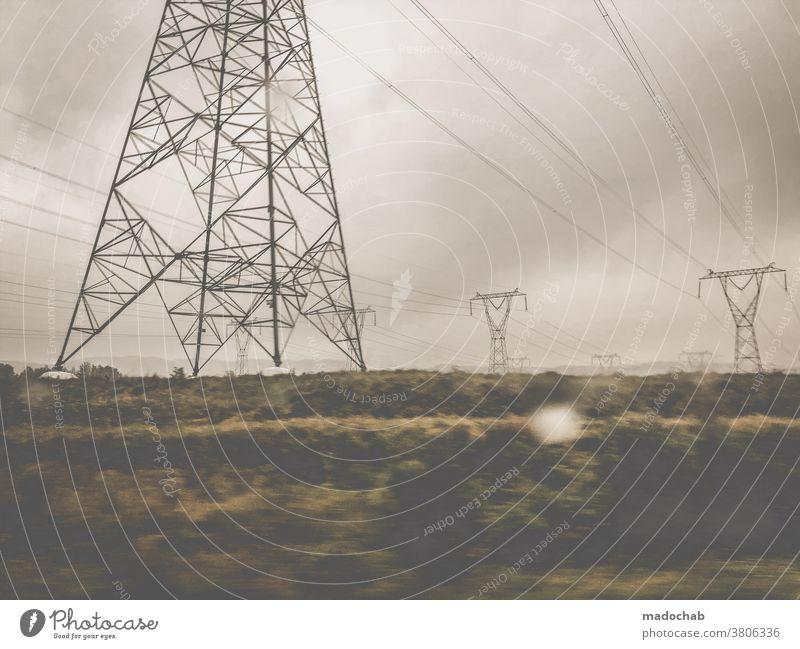 Trauernde Erde Strom Elektrizität Energiewirtschaft Technik & Technologie Umwelt Strommast Energiekrise Energie sparen Hochspannungsleitung Kabel Himmel