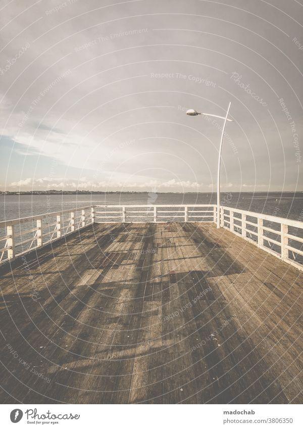 Ende Steg Aussicht Meer Ostsee Wasser Menschenleer ruhig Horizont Erholung Außenaufnahme Himmel Ferien & Urlaub & Reisen Ferne Freiheit Einsamkeit