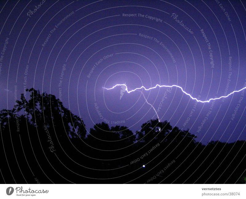 Blitz dunkel Blitze Gewitter Donnern Sommernacht