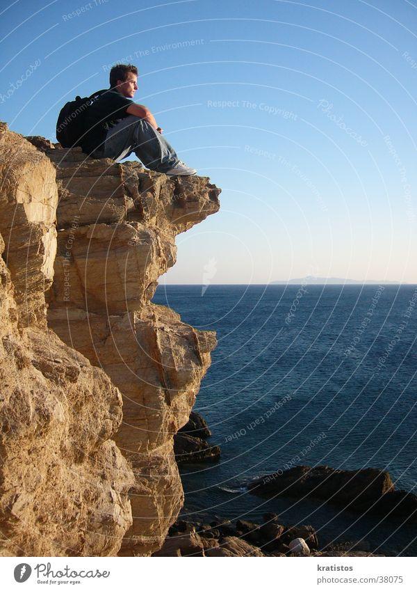 Warten auf den schönsten Sonnenuntergang Mann Meer Felsen Europa Griechenland Klippe Sounion
