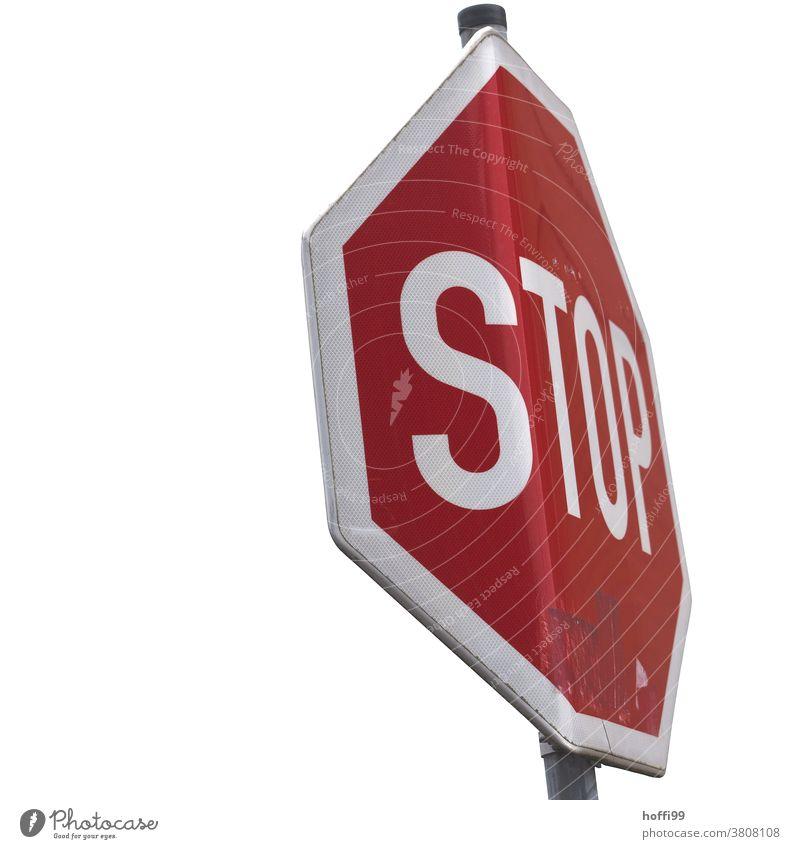 Stop auf gebogenem Schild - TOP Stopsignal Stoppschild geboben kaputt Verkehrszeichen Schilder & Markierungen stoppen Straße Verkehrsschild Hinweisschild