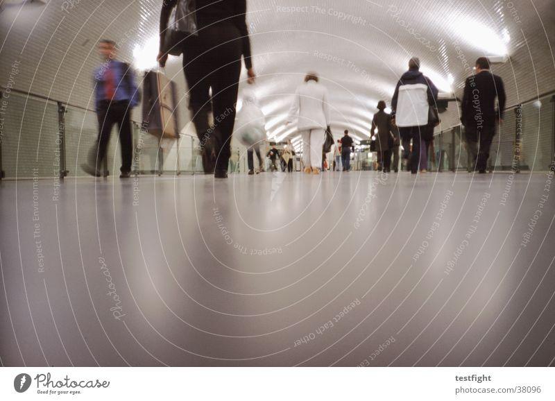 underground U-Bahn London Underground Mensch Stadt Portugal S-Bahn Eile Lissabon Verkehr Lomografie train Bahnhof Unterführung railway railroad Bewegung moving
