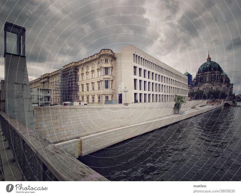 Humboldt-Forum Berlin Hauptstadt Architektur Wahrzeichen Bauwerk Sehenswürdigkeit Stadtzentrum Außenaufnahme Farbfoto Deutschland Baustelle Berliner Dom