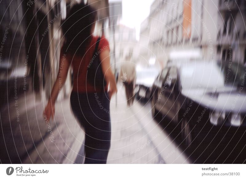 kein titel Unschärfe Stadt Lissabon Bürgersteig Müdigkeit Geschwindigkeit Fototechnik Mensch Straße Bewegung motion hurry up in hurry fast Eile