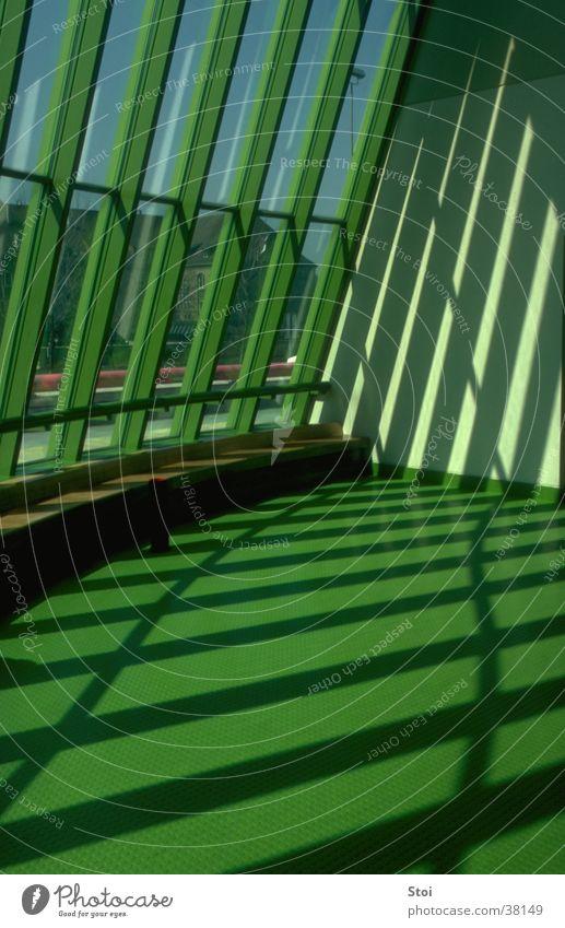Schattenspiel Staatsgalerie Stuttgart grün Fenster Architektur modern Stuttgart Schattenspiel Staatsgalerie
