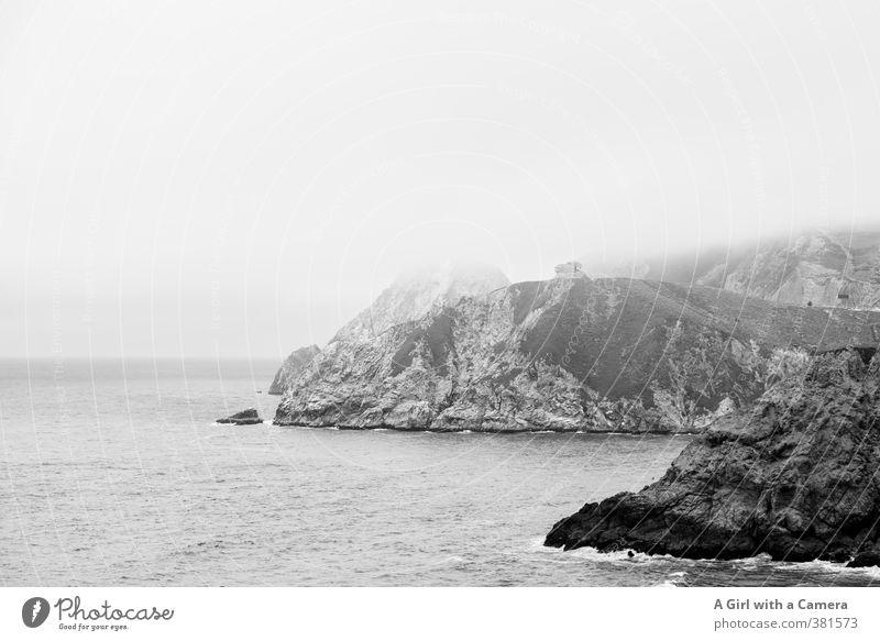 Highway 1 Umwelt Natur Landschaft Urelemente Himmel Wolken schlechtes Wetter Nebel Felsen Wellen Küste Bucht außergewöhnlich Ferne hoch Klippe Haus Idylle steil