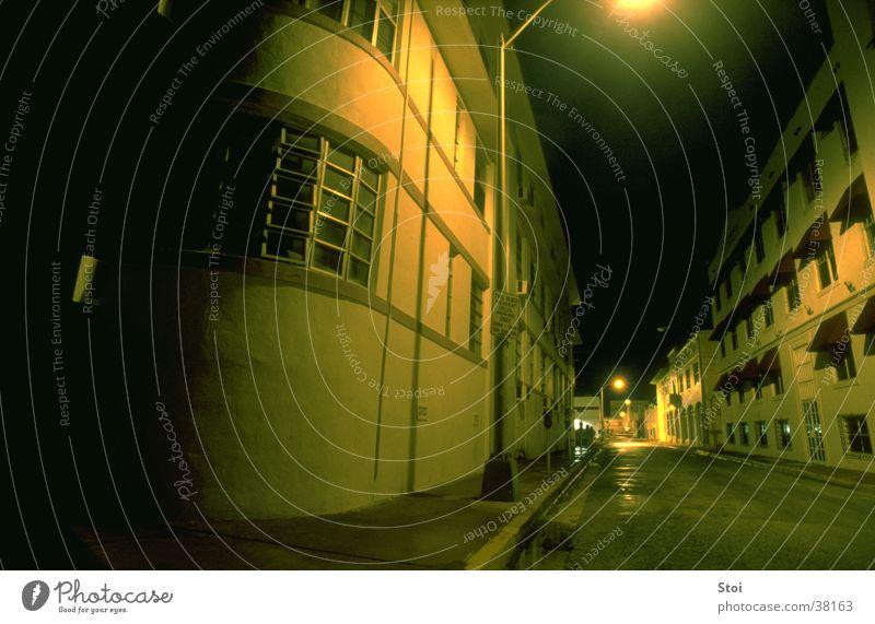 Miami Nights Stadt Einsamkeit Straße dunkel leer USA Gelbstich Nordamerika
