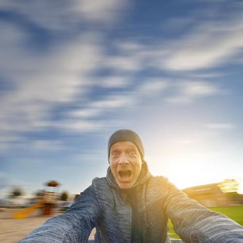 superspreader Kreisel Spielplatz drehen Drehung Bewegung Bewegungsunschärfe Geschwindigkeit Speed Freude Farbfoto Spielen Schwindelgefühl mehrfarbig