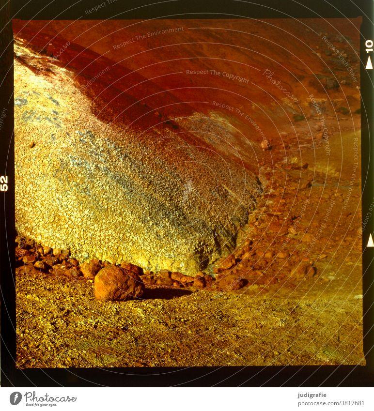 Die Farben Islands analog fotografiert. farbenfroh bunt Schwefel Solfatar Solfataren vulkanisch Vulkanismus Natur Farbfoto Außenaufnahme heiß Erde Urelemente