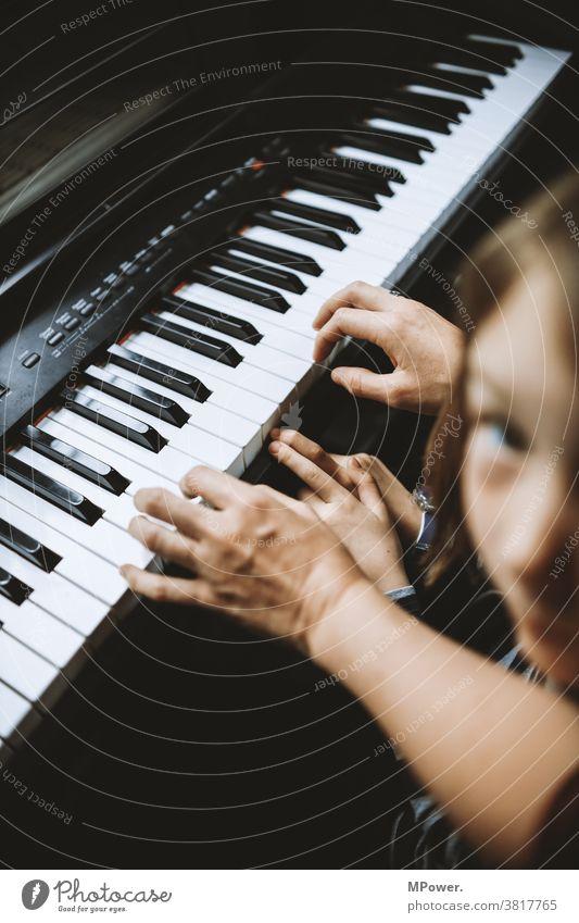klavierunterricht Klavier Klavier spielen Klavierunterricht Hände Tasteninstrumente Spielen lernen Schüler Lehrer Keyboard Musik Musikinstrument Klaviatur