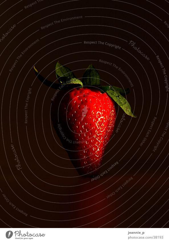 freches Früchtchen Gesundheit Frucht exotisch Erdbeeren Licht & Schatten