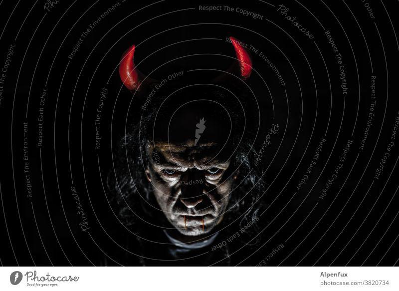 #666 | süßes oder SAURES !!? Teufel Halloween Halloween, Karneval böse gucken gruselig Angst dunkel Herbst Mensch Kürbis Entsetzen Tod Oktober bedrohlich