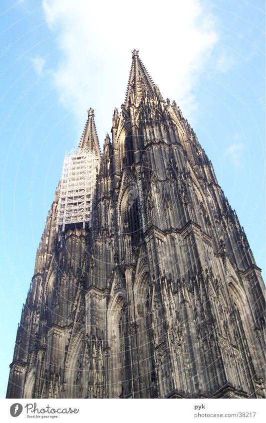 Kölner Dom Kirchturm Bauwerk Architektur Religion & Glaube Himmel