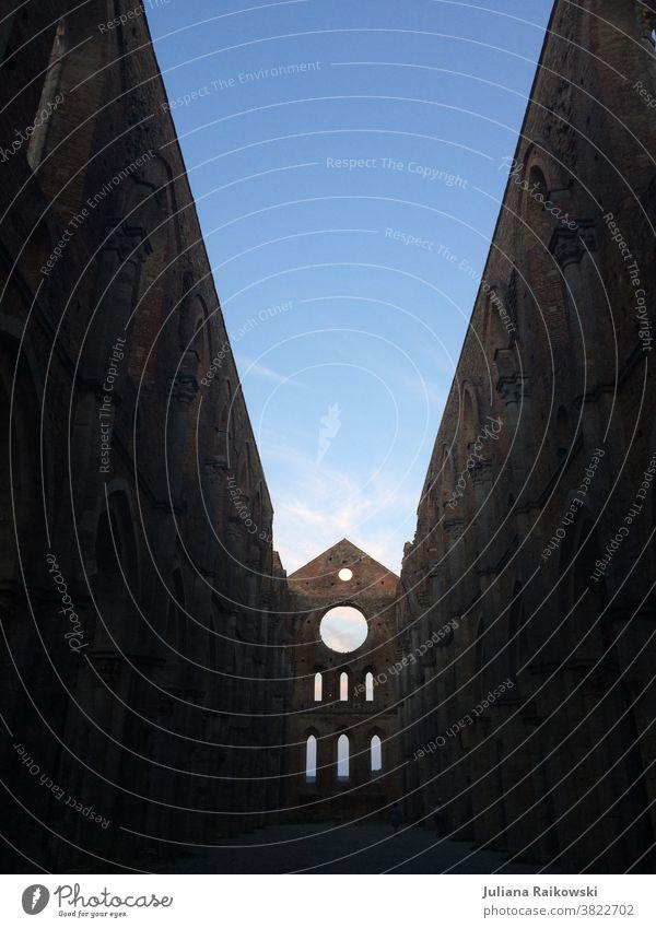 Kirche ohne Dach in Italien Religion & Glaube Architektur Gotteshäuser Christentum Fassade Gebäude Bauwerk historisch Sehenswürdigkeit alt Wahrzeichen Himmel