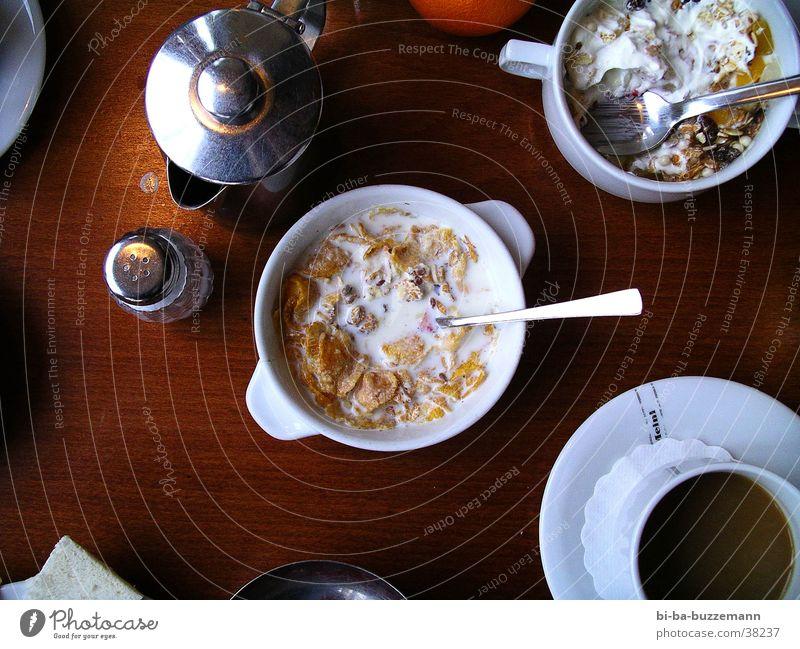 3Uhr Müsli Ernährung Holz Tisch Kaffee Schalen & Schüsseln Löffel Salz Kannen Milcherzeugnisse Müsli Quark