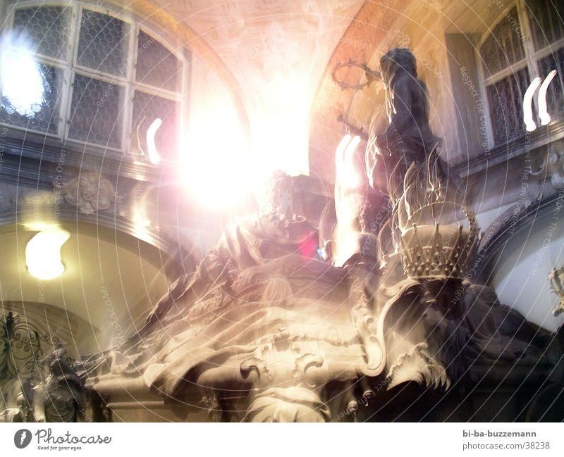 Gruft Bewegung hell Freizeit & Hobby Statue Skulptur Scheinwerfer Wien