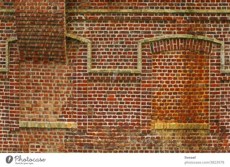 Verhängnisvolle Fenster in Backsteinfassade, Etretat-Normandie Porte daval verloren Baustein Fassade Außenseite Gebäude Étretat Frankreich Europa im Freien