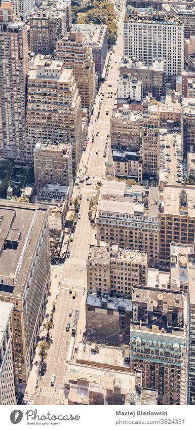 Retro-getönte Luftaufnahme von New York City, USA. neu Großstadt Straße Manhattan Gebäude Antenne retro gefiltert urban altehrwürdig Stadtleben Dach hoch oben