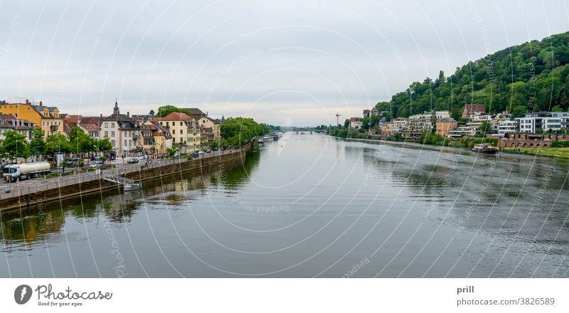 Stadtansicht von Heidelberg universitätsstadt Neckar Fluss deutschland altstadt architektur Haus Gebäude strom wasserlauf Wasser Landschaft außen historisch