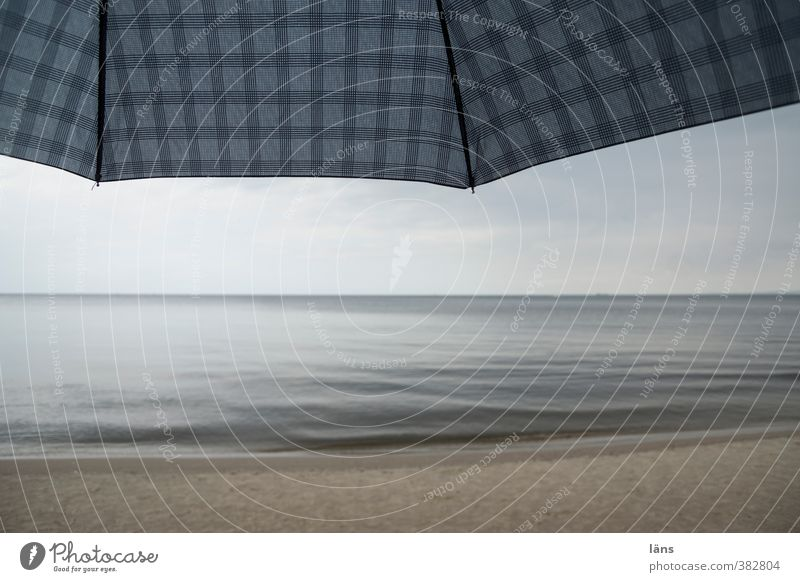 Regentag Himmel Ferien & Urlaub & Reisen Strand Sand Regenschirm Ostsee