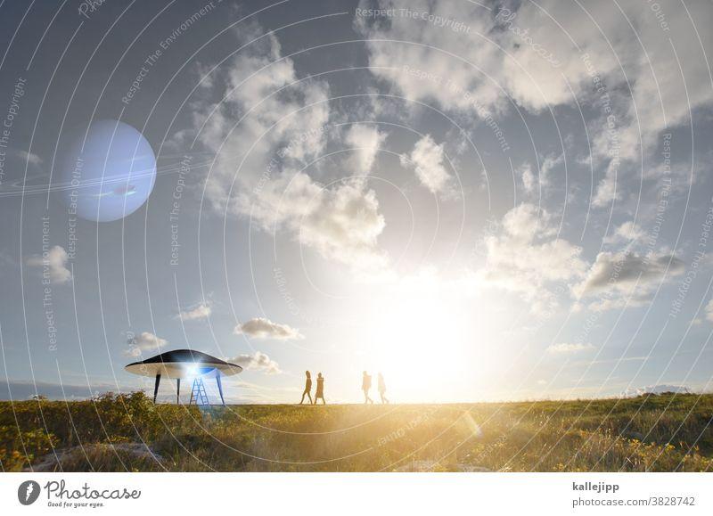 passengers UFO Planet Zukunft Science Fiction Verschwörungstheorie Verschwörungstheoretiker Passagiere einsteigen landung Leiter aliens und son quatsch