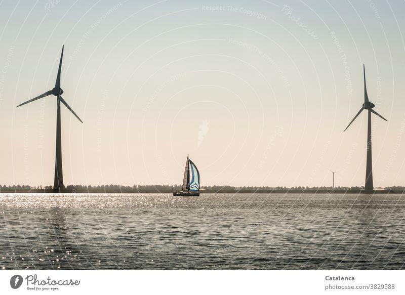 Windenergie Freiheit Tageslicht Blau Grün Sommer segeln Ferien & Urlaub & Reisen Himmel Wolken Horizont Segelyacht Meer Schifffahrt windig Wellen Wasser Natur