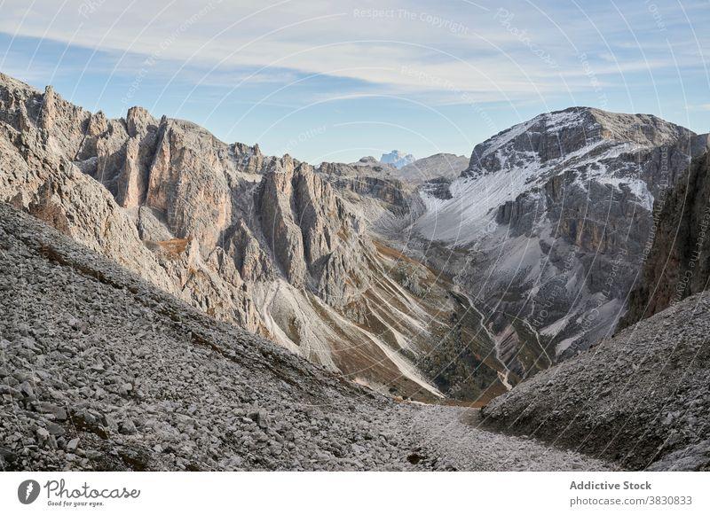 Tal im schneebedeckten Gebirge Berge u. Gebirge Schnee Ambitus erstaunlich Dolomiten Alpen Italien malerisch atemberaubend schön spektakulär prunkvoll Natur