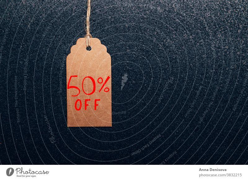 Wörter 50% Rabatt auf Tag geschrieben Sale 50 Rabatt schwarz Freitag kennzeichnen braunes Papier Business Werkstatt Postkarte kaufen Freigabe Einzelhandel rot