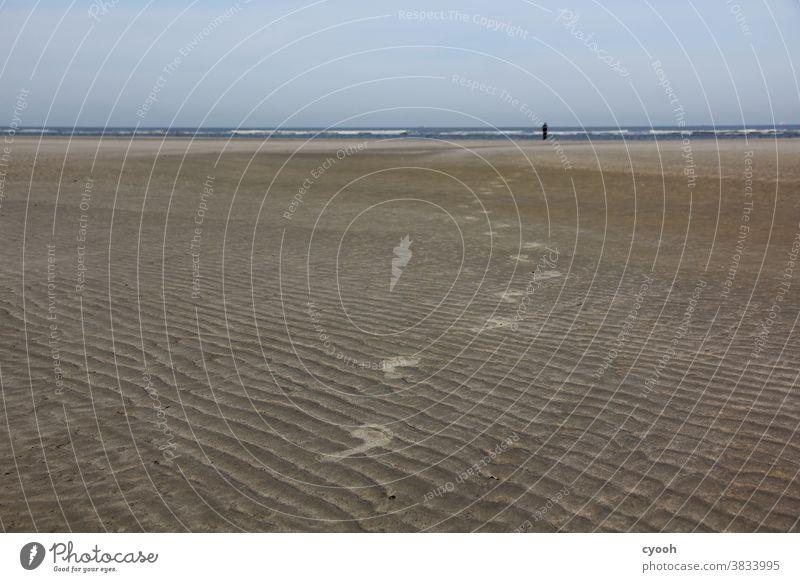 ich folge dir... Spuren Sand Strand Langeoog Nordsee Ostfriesische Inseln Ostfriesland Sandstrand Fuß Fußspur Vergänglichkeit folgen Flut Ebbe entspannung