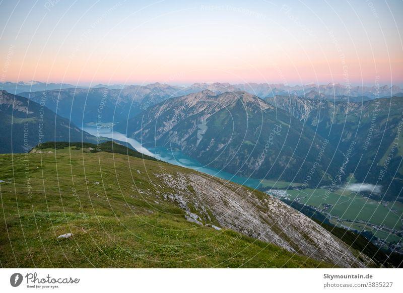 Früh am Morgen ist es auf dem Berg am schönsten alpen bergsteigen wandern früh am morgen sonnenaufgang Morgenstimmung achenkirch unnutz unnütz vorderunnutz