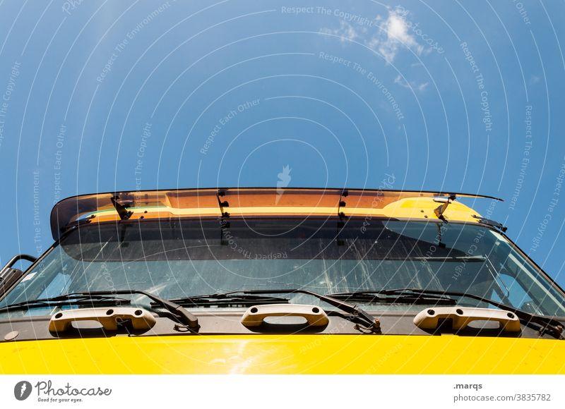 LKW lkw Lastwagen Güterverkehr & Logistik Verkehrsmittel Mobilität fahren Fahrzeug Unternehmen Arbeit & Erwerbstätigkeit Wirtschaft Fernfahrer gelb
