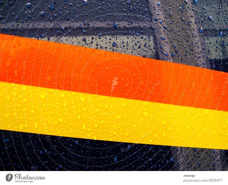 Rennstreifen nass Streifen Metall Regentropfen Fahrzeug Auto orange gelb blau Stil Design Hintergrundbild rennstreifen